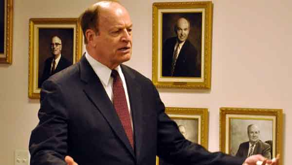 U.S. Sen. Richard Shelby speaks with Crenshaw County businessmen during a visit Monday evening. JOURNAL PHOTO   MONA MOORE
