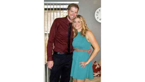 Jamie Stiffler and Daryl Crowe  will wed in April.