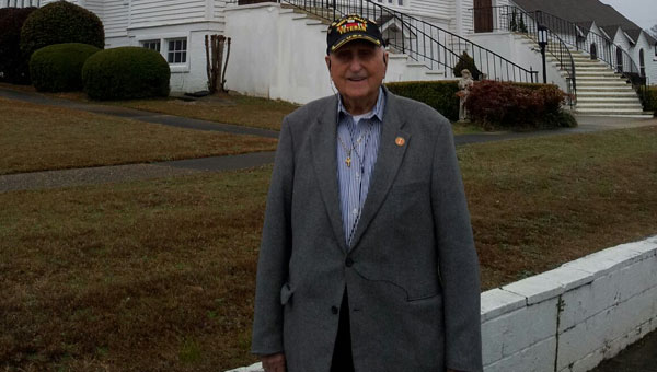"""Lowndes County native Glenn D. Frazier recounted his three years spent in a Japanese prison camp during World War II in his latest book, """"Hell's Guest."""""""