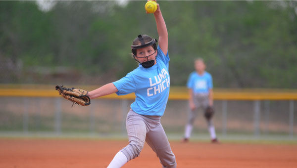 Annah Little held firm at the mound to give the Luna Chicks a close 8-7 victory over Tana Strong.