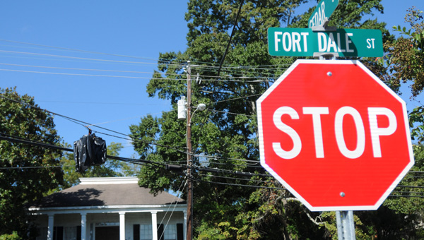 City officials have made the decision to alter the traffic pattern at the intersection of Fort Dale Street and Cedar Street due to the cost of replacing a malfunctioning traffic light. Fort Dale Road will no be a through street, while drivers on Cedar Street will come to stop until traffic is clear. (Advocate Staff/Andy Brown)